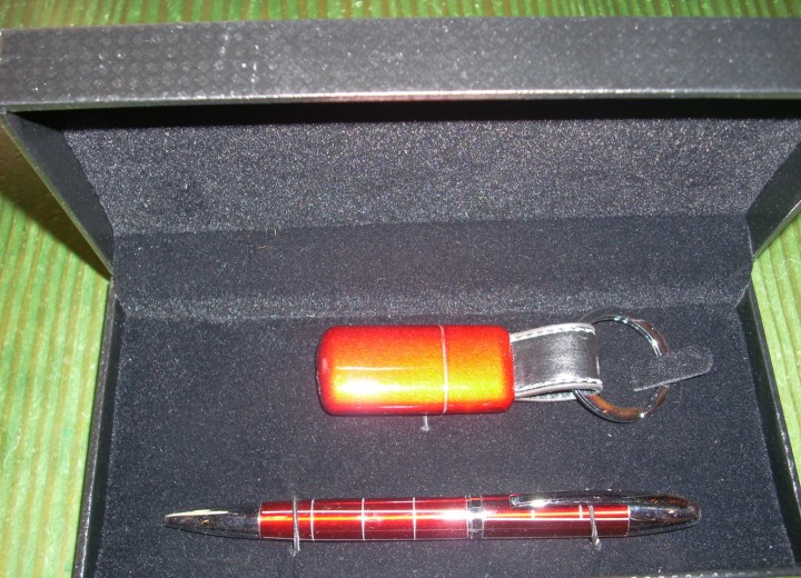 set στυλό, αναπτήρας 15€