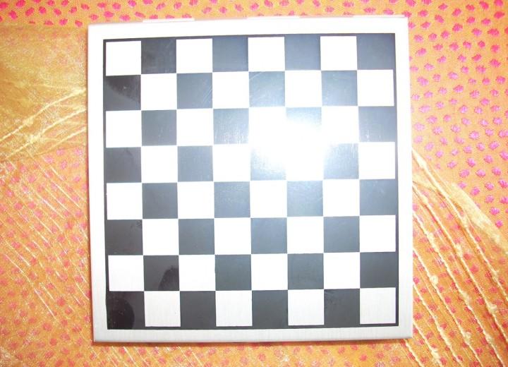 mini σκάκι-τάβλι μεταλλικό 12€